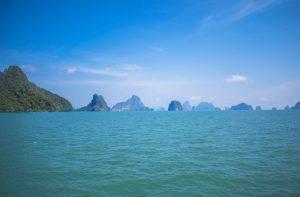 Vue de la baie de Phang Nga depuis un bateau