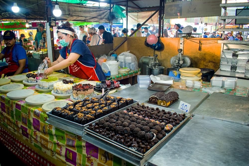 Stand de pâtisserie sur le marché