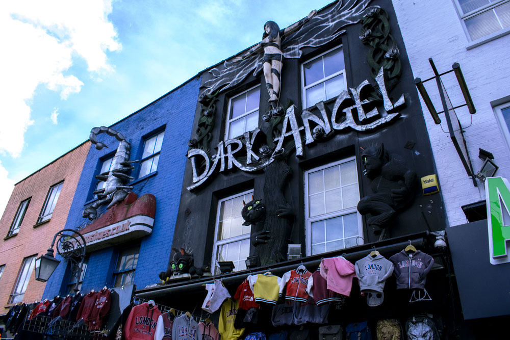Devanture d'un magasin Dark Angel