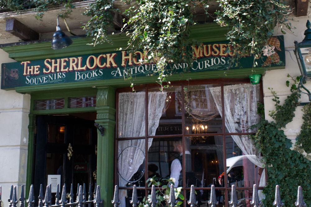 Entrée du musée de Sherlock Holmes au 221B Baker Street
