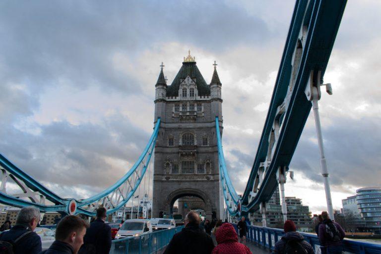 Vue de Tower Bridge depuis le tapis du pont
