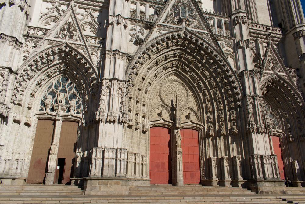 Porte principale de la cathédrale de Nantes