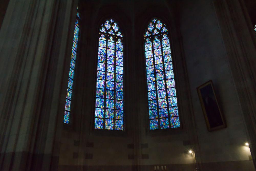 Vitraux vue depuis l'intérieur de la cathédrale de Nantes