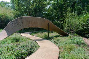 Un jardin avec une boucle infini dans les Jardins de Chaumont