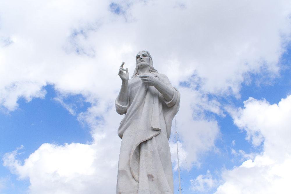 Statue de Jésus Christ surplombant La Havane à Cuba