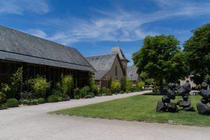 Bâtiments à l'entrée des Jardins de Chaumont