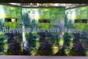 Oeuvre de peinture avec l'inscription Bienvenue dans votre paradis dans les Jardins de Chaumont