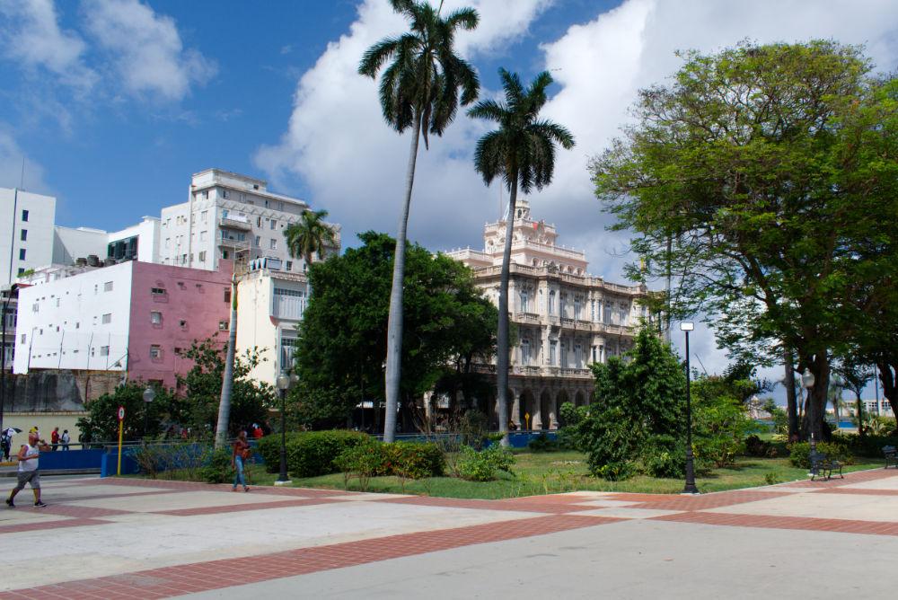 Place du 13 Mars de La Havane à Cuba