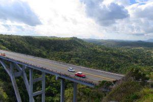 Le pont de Bacunayagua une des 7 merveilles de l'ingéniérie civile Cubaine à Cuba