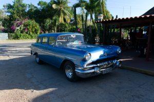 Un taxi typique de cuba, 50's bleu à Cuba